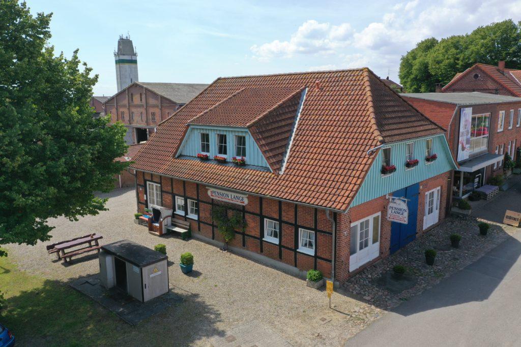 Außenansicht der Pension Lange in Petersdorf auf Fehmarn