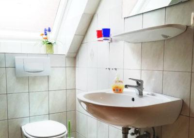 Zimmer 3: Badezimmer