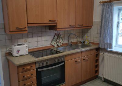Ein Blick in die Küche der Reetdachkate